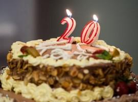 tort-jubileuszowy-20-male